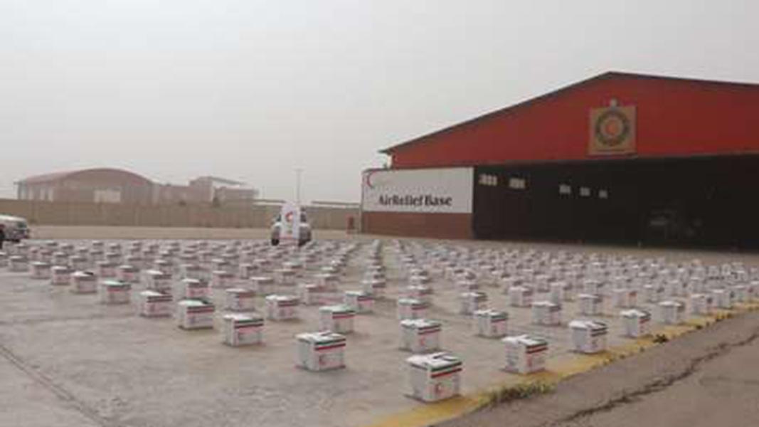 ارسال بسته های غذایی هلال احمر کرمان به مناطق محروم و آسیب دیده از سیل