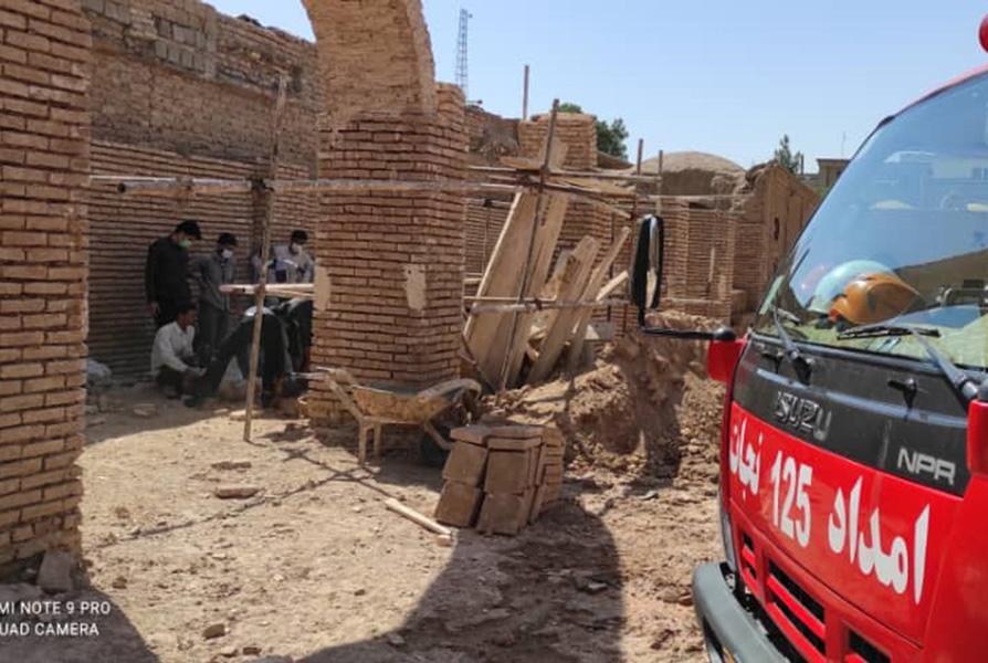 نجات دو مرمتکار میراث فرهنگی از زیر آوار