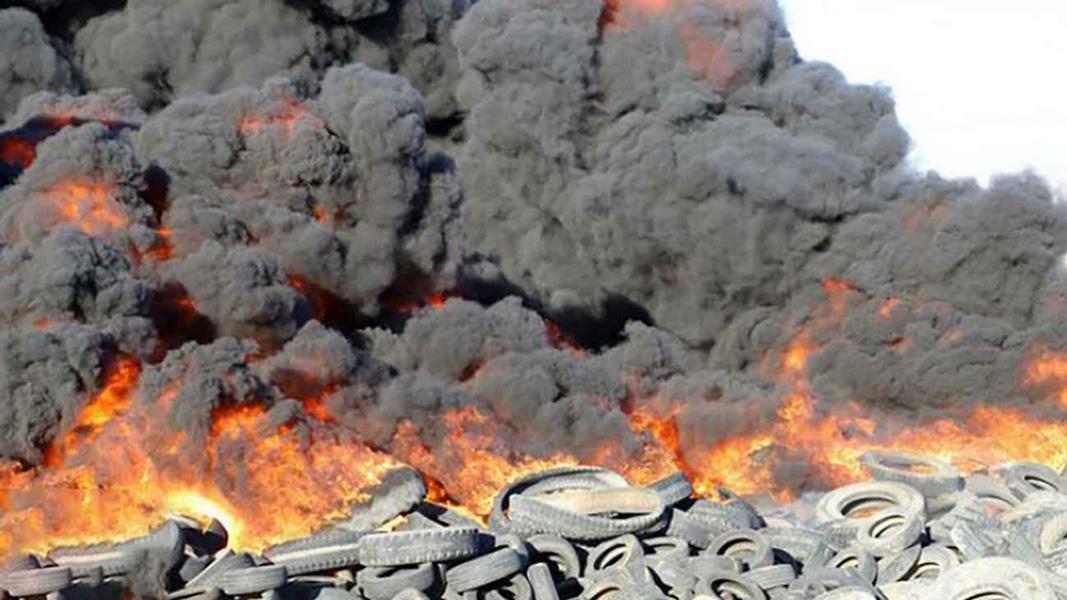 دستگیری عاملان آتش زدن لاستیک های فرسوده در سیرجان